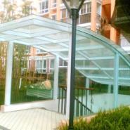 钢结构雨棚--绿色环保--寿命长图片