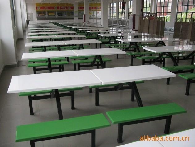 供应海南餐桌海南八人位餐桌免费送货安装