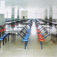 湛江专业生产玻璃钢餐桌英腾公司图片