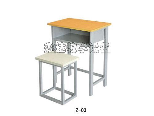 供应智力课桌椅供应