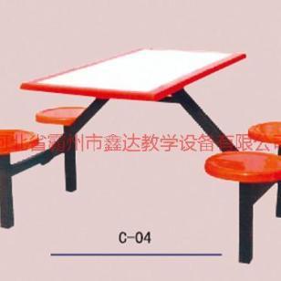 河北优质优惠学生餐桌椅图片
