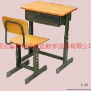 广西学生课桌椅厂家皮批发图片