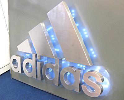 供应镇江扬州不锈钢发光字LED吸塑字精品标识标牌外露打孔发光字
