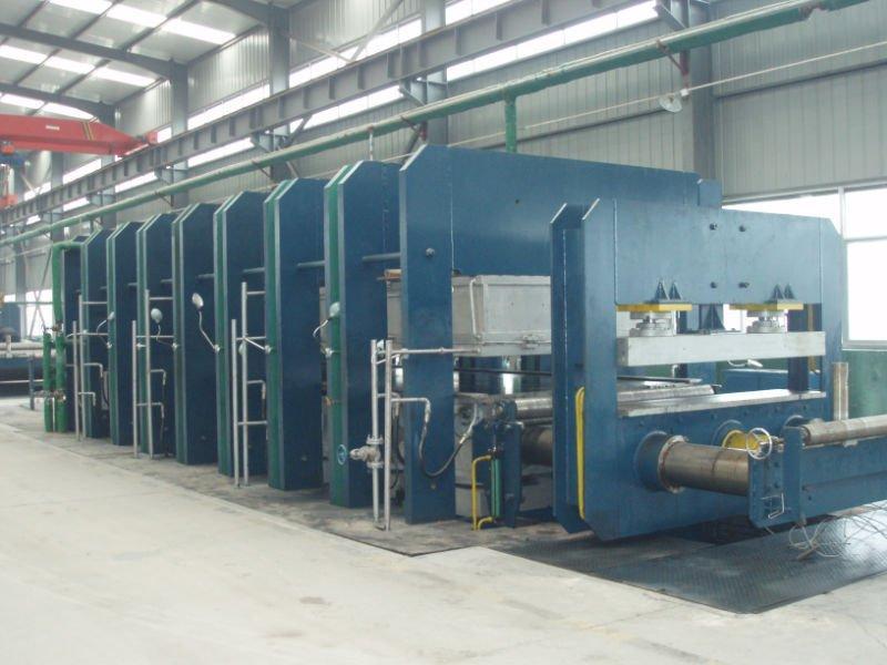 供应框式平板硫化机供应框式平板硫化机,止水带平板硫化机,青岛硫化机,青岛鑫城一鸣橡机