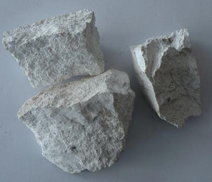 石灰石是什么 石灰石的作用是什么 碱石灰是什么 石灰水是什么