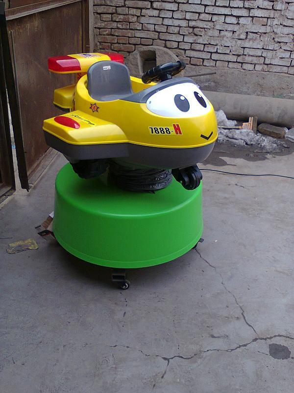 供应洛阳涧西电动玩具喜羊羊摇摆机销售【儿童摇摆飞机摇摆式激光战车】
