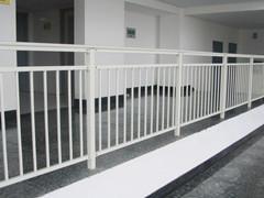 供应哪里有钢板网销售,哪里的阳台护栏好,哪里的钢板网便宜钢板网阳
