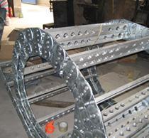 供应精益牌TLG型全封闭钢制拖链