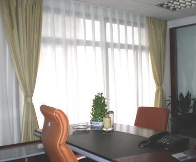 办公室窗帘图片_办公室窗帘卷帘图片|办公室窗帘卷帘样板图|办公室窗帘卷帘效果 ...