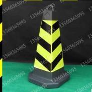 橡胶反光路锥图片