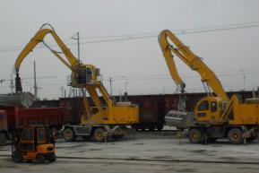 供应最有效的火车卸车机抓料机