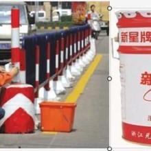 河池市公路 划线油漆车位划线涂料改良图片