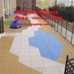 渝北区现浇彩色塑胶安全地垫图片