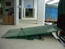 供应广东集装箱卸货斜坡公司,集装箱卸货斜坡价格政策,三良机械
