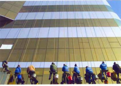 供应玻璃清洗收费标准玻璃清洗公司/昆明开荒保洁服务