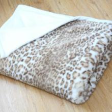 供应印花豹纹毯子