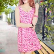 2104最新款女装蕾丝连衣裙专卖店图片