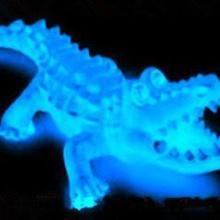 供应发光塑料母粒,注塑用夜光粉,硅胶用夜光粉,喷漆夜光粉,印刷夜光粉图片