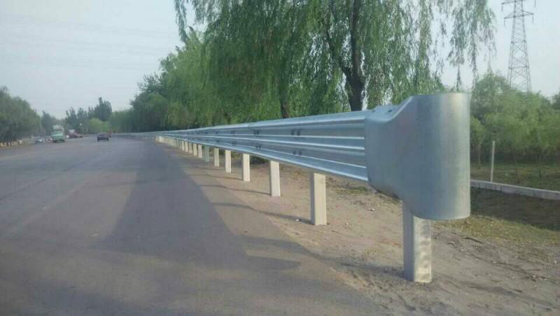 高速公路护栏_江西高速公路护栏板的厂家有那些报价