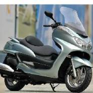 雅马哈150摩托车图片