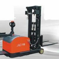 供应光明合力电动堆高车、沙井电动堆高车、乘驾式电动堆高车