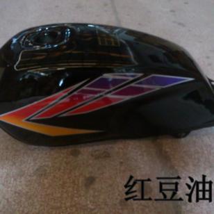 热销海外的摩托车配件-钻豹125油箱图片