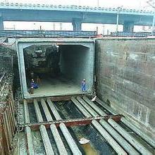供应建水县专业水平顶管施工/内江PE管批发