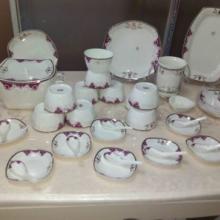 供应景德镇56头陶瓷礼品餐具 最低价格批发