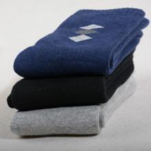 供应全棉纯棉袜纯色毛圈袜男袜加厚袜子秋冬保暖男士棉袜加厚款棉袜图片