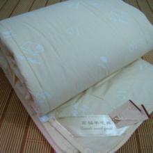 东莞莲盈供应床上用品、抱枕、被子等