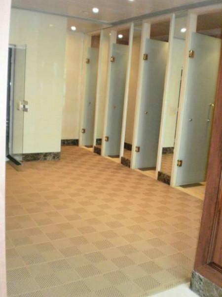 供应卫生间防滑地垫首选