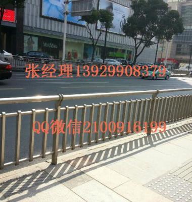 不锈钢楼梯工程立柱图片/不锈钢楼梯工程立柱样板图 (2)