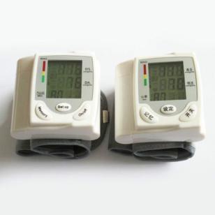 深圳厂家新款智能全自动电子血压计图片