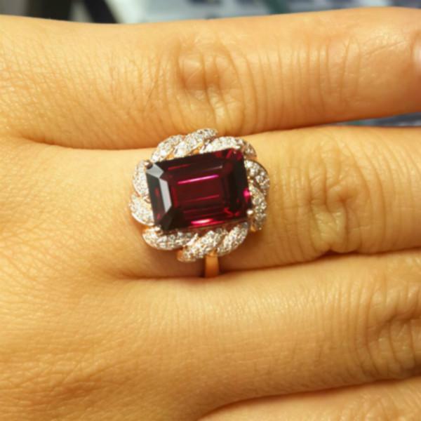 供应八角长方石榴石戒指18K黄金镶钻石戒指 石榴石的作用于功效