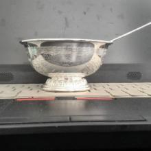 供应龙凤碗大中小号贴花双层碗,85-180克。錾花可私人订制,重量可定