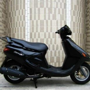 雅马哈飞鹰125摩托车图片