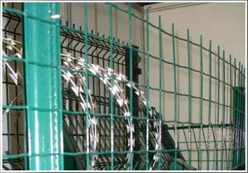 散养鸡围栏,动物园围栏网,哪里有生产围栏网的厂家多少钱一米件套