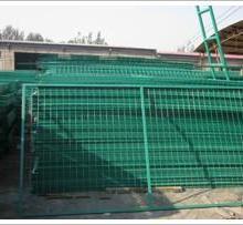 供应新疆框架护栏网厂家