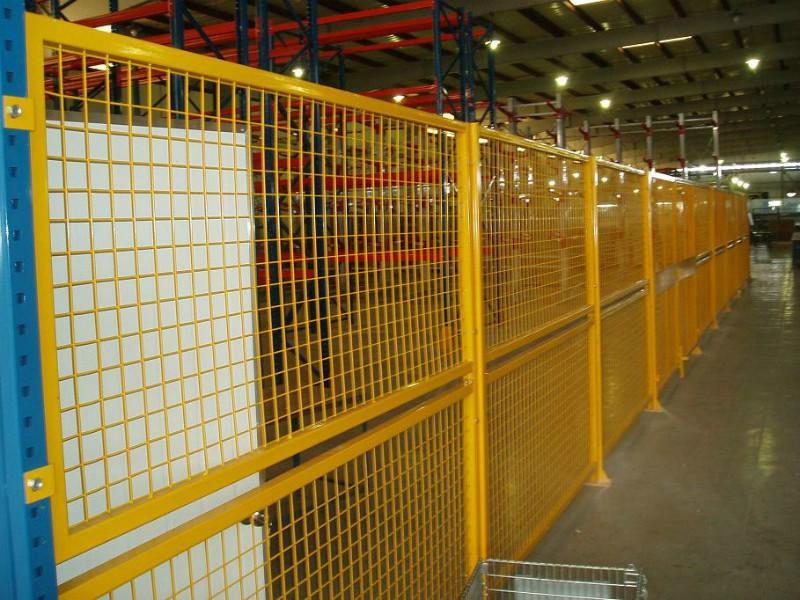 供应新疆车间护栏网、车间隔离网厂家