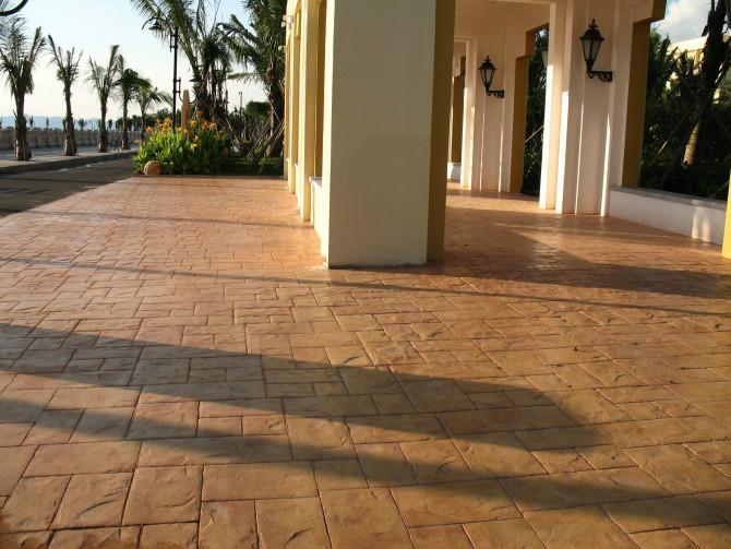 供应德阳彩色水泥压模地坪、压花地坪造价