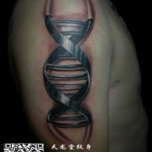 供应机械臂纹身