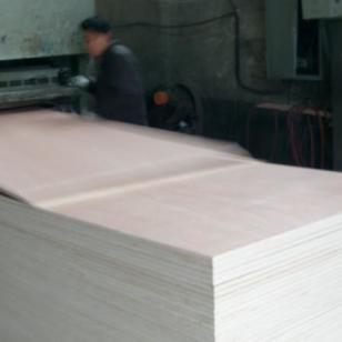 千禧鸿福供应杂木杨桉木柳桉胶合板图片