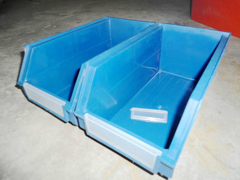 供应背挂式1号零件盒,带标卡塑料零件盒