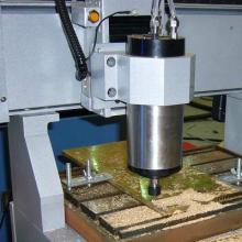 供应山东金属模具雕刻机厂家,用于亚克力板的切割雕刻机厂家图片