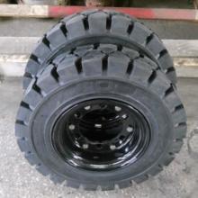 供应实心轮胎8.25-15