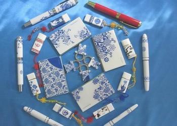 厂家促销青花瓷笔+青花瓷书签套装图片