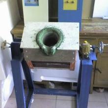 供应浇铸中频熔铜炉,50kg熔炼炉,节能熔铜炉