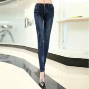 哪里有女式牛仔裤批发零售图片