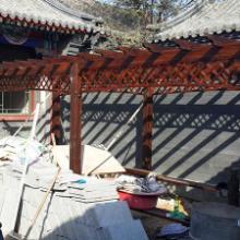 供应天津防腐木葡萄架花架围栏地板秋千碳化木花箱木门楼梯图片